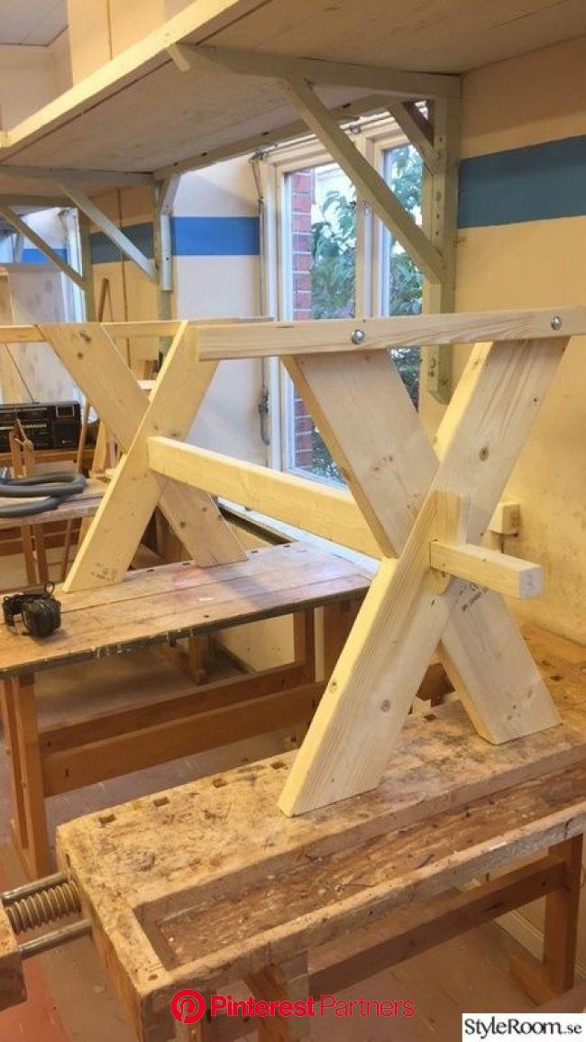 Ett enkelt kryssbord. | Bord utomhus, Träbord, Möbelidéer