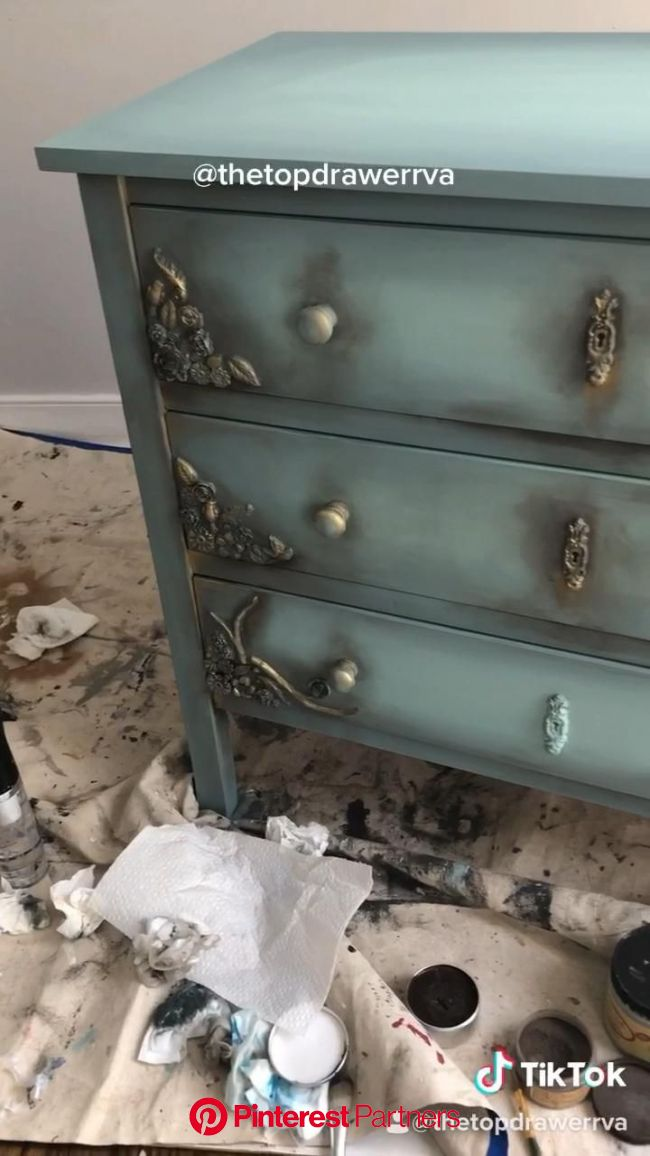How to makeover a dresser [Video]   Diy furniture renovation, Shabby chic furniture diy, Painting furniture diy