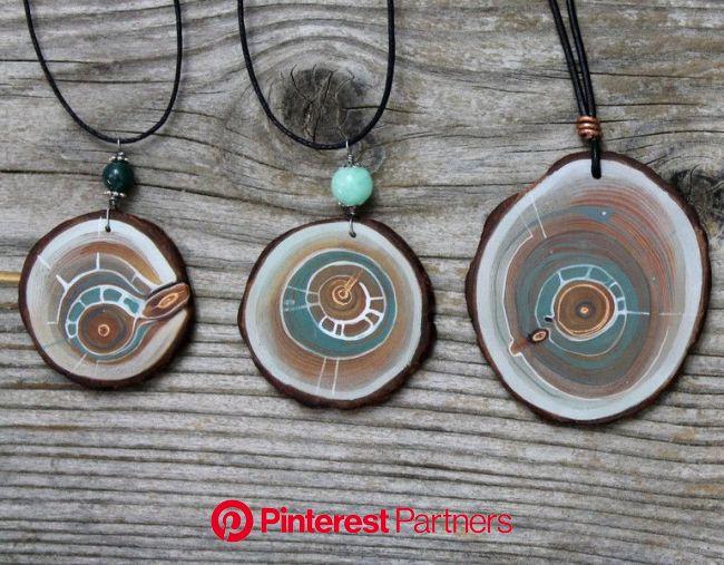 Pin auf Arvemulett -Amulette aus Zirbenholz