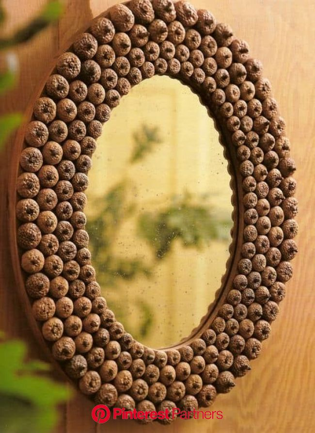 49 Incredibly Beautiful Acorn Crafts to Pursue | Homesthetics - Inspiring ideas for your home. | Acorn crafts, Mirror crafts, Acorn decorations