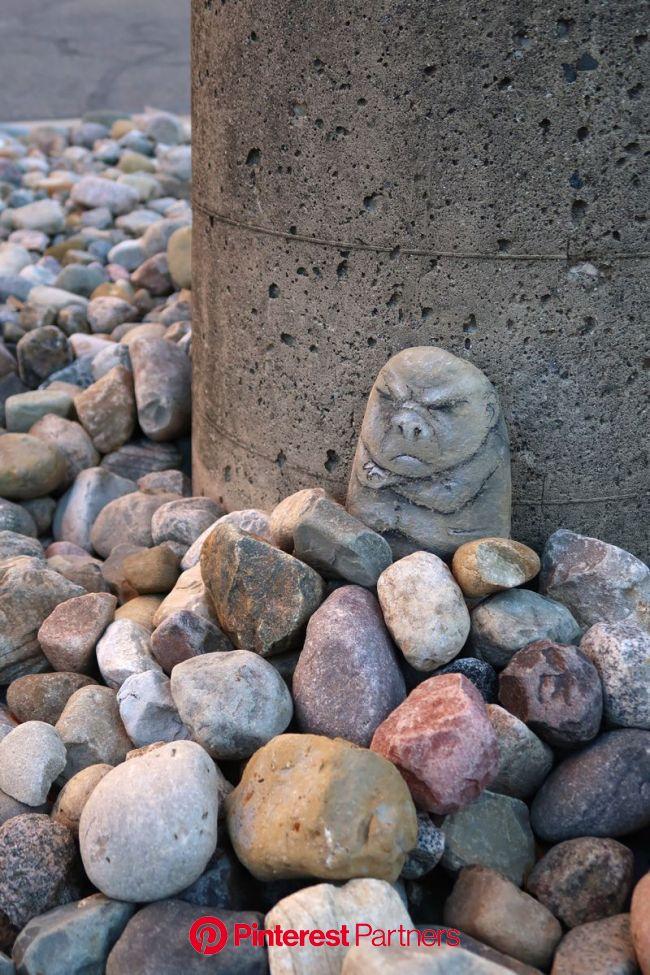 Lustik | Sidewalk art, Amazing street art, Stone art