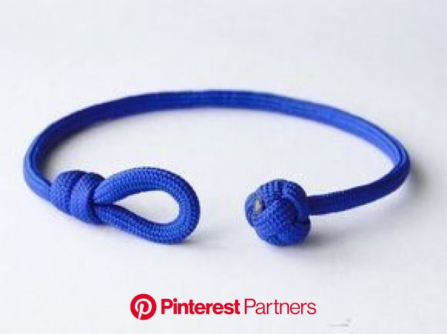 How to Make a Single Strand Knot and Loop Paracord Friendship Bracelet-Celtic Button Knot -… | Paracord bracelet tutorial, Paracord bracelet diy, Para
