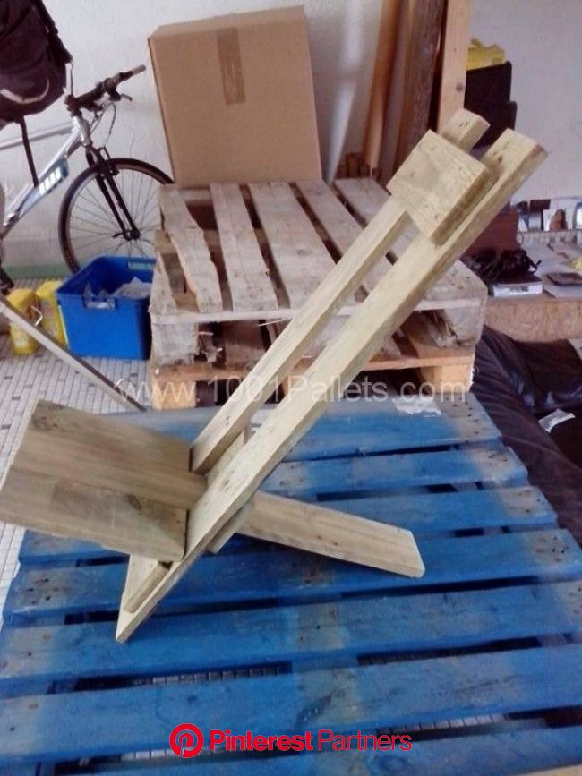 Design Pallets Chair • 1001 Pallets   Pallet furniture outdoor, Pallet chair, Diy pallet projects