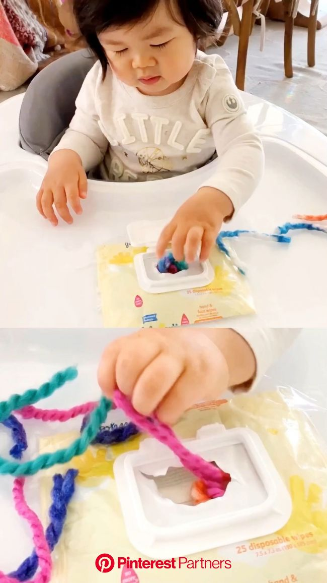 BABY WIPE CONTAINER YARN SENSORY FINE MOTOR SKILLS ACTIVITY - Hello Wonderful [Video] [Video] in 2020 | Toddler learning activities, Baby play activit