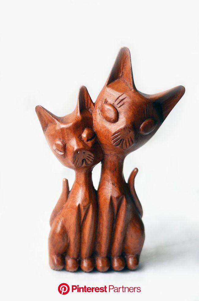 gatitos de madera | Wooden cat, Carving, Wooden figurines