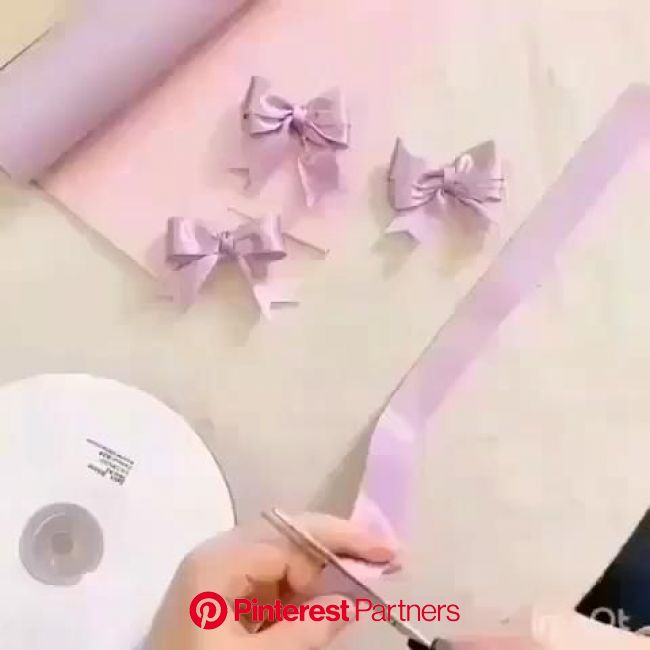 Laciho facil de fazer [Video] en 2020 | Accesorios para cabello de niñas, Moños para regalo, Moños para el cabello de boutique