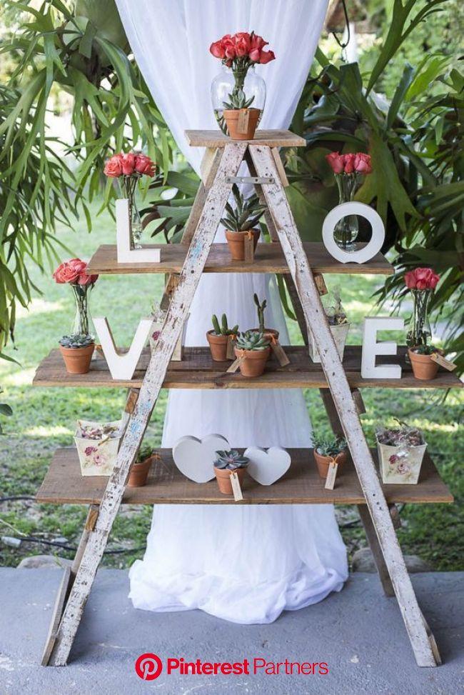 Top 20 Vintage Wooden Ladder Wedding Decor Ideas | Roses & Rings | Ladder wedding, Fun wedding decor, Wedding decorations