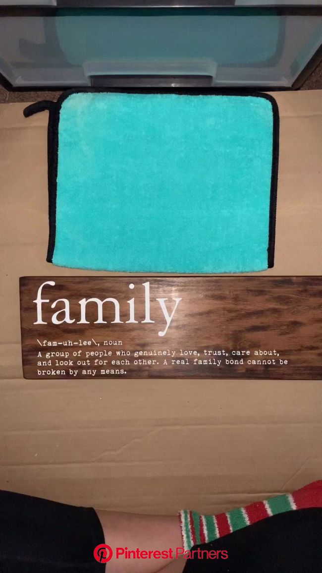 Family | wooden sign | Chalk couture | Home decor | Sign | family Sign | [Video] | Wooden family signs, Wooden signs diy, Cricut projects vinyl
