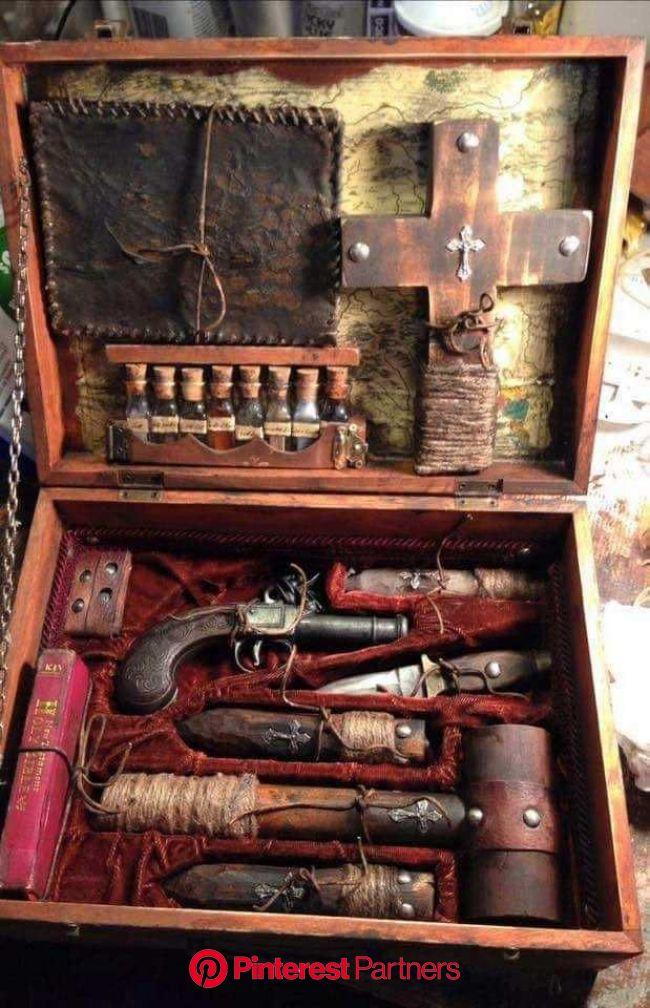19th century vampire hunting kit   Creepy photos, Vampire, Vampire hunter