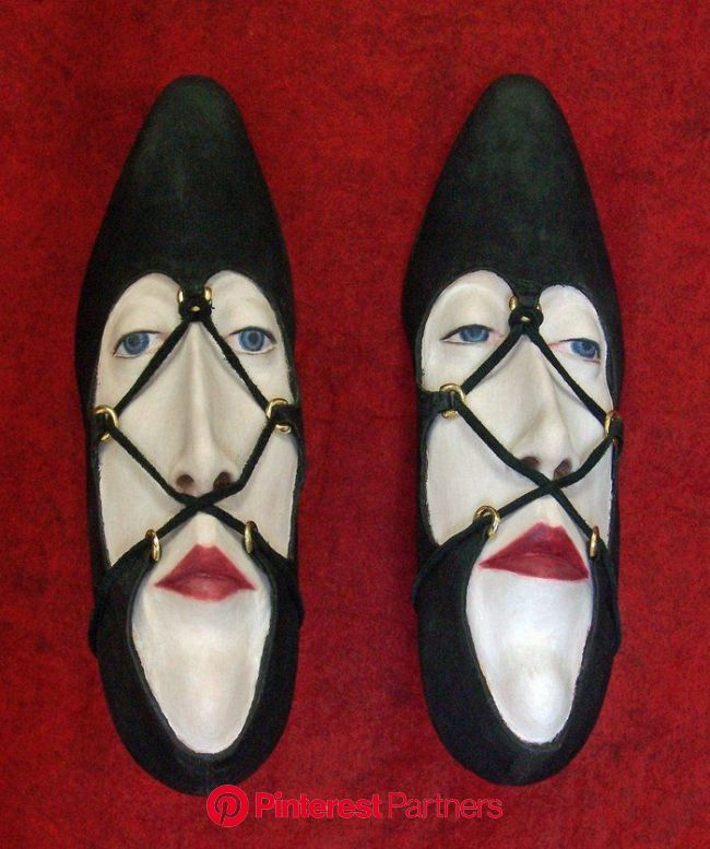 Gwen Murphy ~ Shoe Sculptures   Shoe art, Creative shoes, Crazy shoes