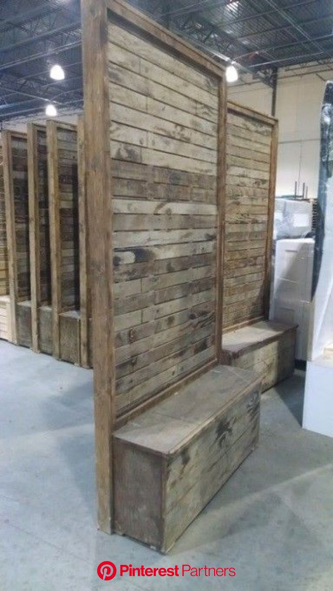 Vintage Pallet Wood Divider Wall With Images Pallet Walls Diy Room Divider Divider Wall Wood Decor 2019 2020