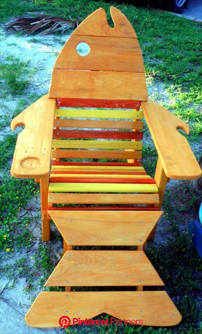 Cool Fish Pallet Adirondack Chair Ideas | Recycled pallets, Pallet chair, Pallet garden furniture