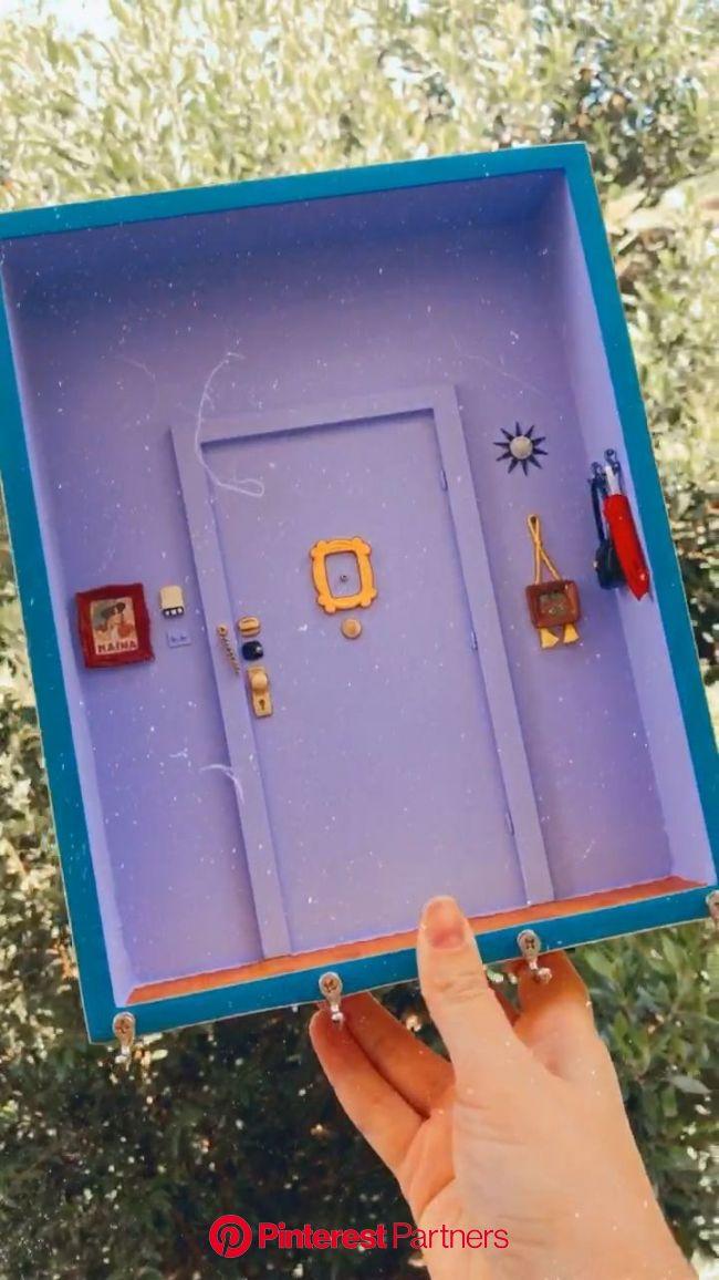 Porta Chaves Roxo Porta da Mônica Friends [Vídeo] em 2020 | Ideias de decoração artesanato, Arte caixa de fósforos, Artesanato caixa de fósforos