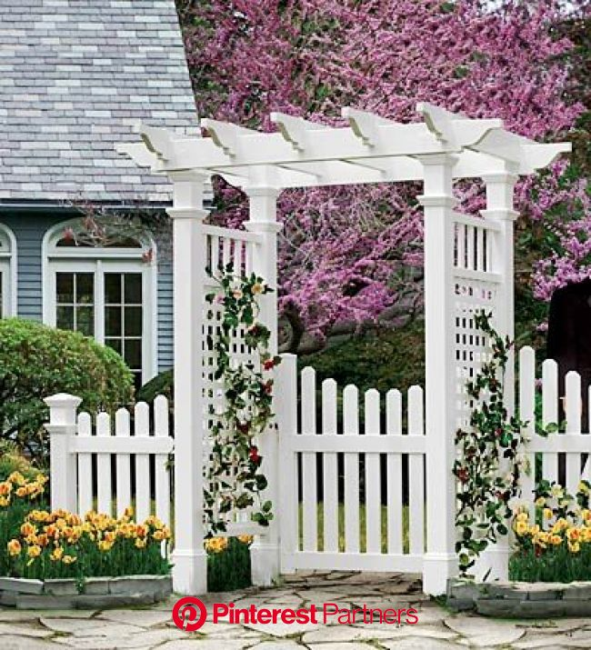 Picket Fence Ideas for Instant Curb Appeal | Garden gates and fencing, Garden gates, Cottage garden