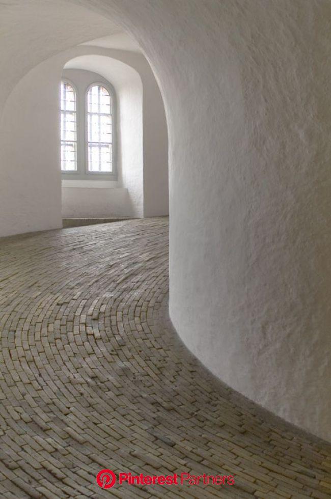 Hans van Steenwinckel - Le couloir en colimaçon de la Rundetårn, Copenhague, 1642 | Interior architecture, Design, Curved walls