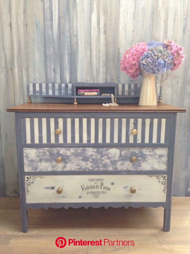 Vintage chest of drawers, painted in ASCP Old Violet, Old White, and Liquid Leaf. Various techniques hav…   Painted furniture, Decoupage furniture, Or