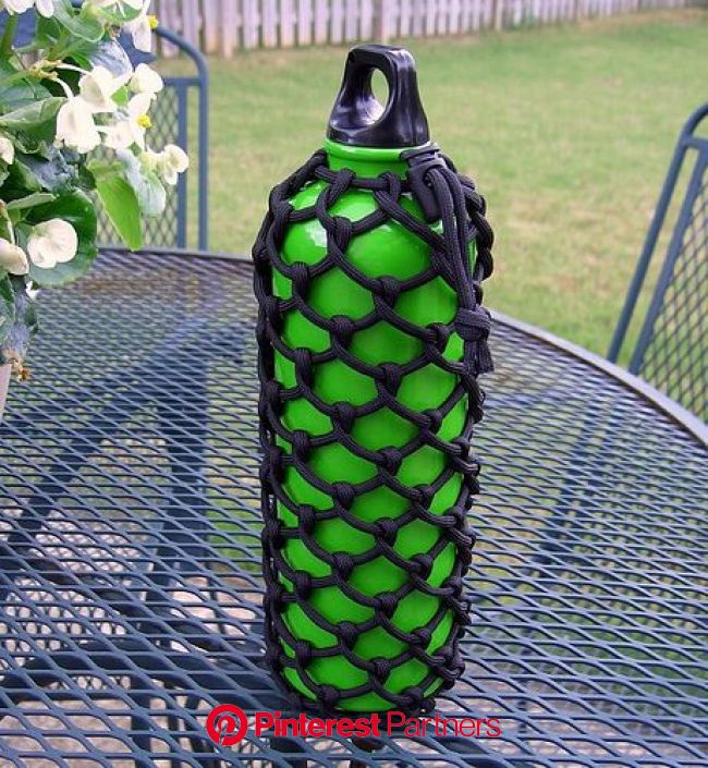 Half hitched paracord water bottle sleeve 1 | Paracord projects, Paracord projects tutorials, Paracord